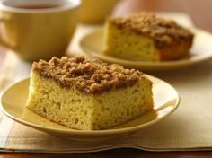 Gluten Free Cinnamon Streusel Coffee Cake. Try our yummy version thanks to Bisquick Gluten Free Mix!