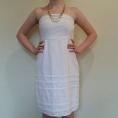"""Old Navy Dress Adorable strapless dress, worn just a handful of times, fully lined, blend of linen and rayon, comfortable and cute. No stains or rips, no pilling, EUC, elastic on the back, zipper at one side, empire waist type, very flattering because of the waist and ruching on the back.Lenght 28.5"""", waist under bust, 12.5"""",armpit to armpit 14"""". Tagged size 4,runs small, more like size 2, It could work for a size  XXSmall, or size 0***please READ measurements*** **CONSIDERING ALL OFFERS…"""