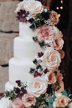 Simple and elegant wedding cake ideas spring or fall
