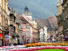 Brasov Romania City - Amazing World Places Travel Guide To See Beautiful World Places To Travel, Places To See, Travel Destinations, Places Around The World, Around The Worlds, Wonderful Places, Beautiful Places, Brasov Romania, Belle Villa