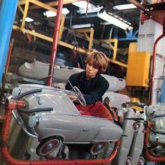Studebaker Pedal Car assembly line - Giordani, Italy (1954)