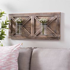 Need to create rustic wood wall decor in your home however unsure how to try this? You should see these unique rustic wall decor ideas. Rustic decor is all of the hype as of late. Rustic Wood Wall Decor, Farmhouse Wall Decor, Rustic Walls, Rustic Furniture, Western Wall Decor, Diy Wood, Wall Wood, Craftsman Wall Decor, Hall Wall Decor