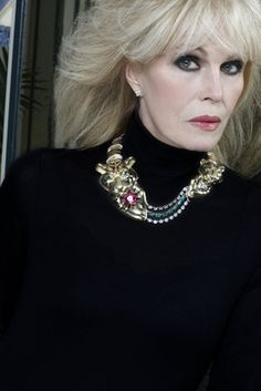 Joanna Lumley modelling the Shere Khan Gold & Diamond Necklace, designed by award-winning jeweller, Catherine Best and auctioned by the Born Free Foundation, the proceeds to be used for saving the wild tiger from extinction. Short Hairstyles For Women, Hairstyles With Bangs, Joanna Lumley, Beautiful Old Woman, Long Hair With Bangs, Ageless Beauty, Royal Jewels, Older Women, Role Models
