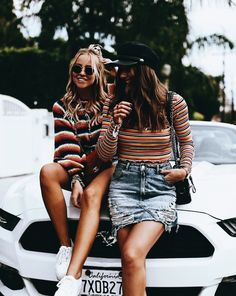 Love these striped tops Stylish outfit ideas for women who love fashion!