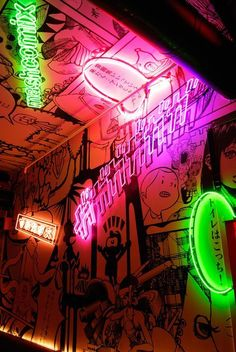 Bright electric neon lighting brings the quirky illustrations at this Tokyo bar to life. Cafe Design, Box Design, Sport Bar Design, Interior Design, Nightclub Design, Neon Led, Café Bar, Neon Aesthetic, Neon Lighting