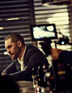 Find images and videos about tom hardy and tomhardy sexy love on We Heart It - the app to get lost in what you love. Tom Hardy Actor, Tommy Boy, My Tom, Thing 1, Mans World, Man Crush, Perfect Man, Beautiful Men, Beautiful Lips
