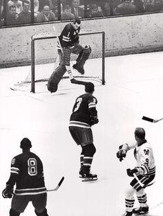 Rangers Game, Rangers Hockey, Hockey Goalie, Hockey Games, Ice Hockey, La Kings Hockey, Bobby Hull, Goalie Mask, Wayne Gretzky