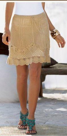 Pense uma coisa que esta sendo muito usada é  o crochê , basta você andar por ai para ver cada peça linda. Com a chegada da primavera,...