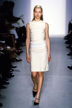 Calvin Klein Collection Fall 1997 Ready-to-Wear Fashion Show
