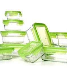 How to organize your tupperware :: NEAT Method blog   #tupperware #drawer #kitchen