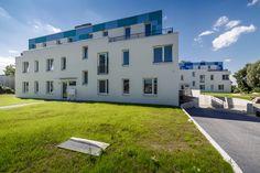 August 2016: #Mehrfamilienhäuser auf privatem Ufergrundstück mit großzügigen Freiflächen. Nur noch wenige #Eigentumswohnungen verfügbar!