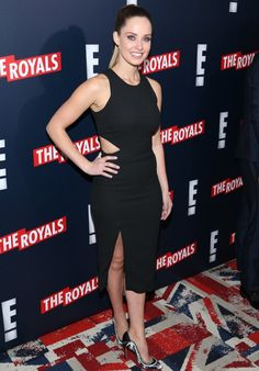 Photo of Merritt Patterson - Premiere of Television Drama Series The Royals - Red Carpet Arrivals - Picture Browse more than pictures of celebrity and movie on AceShowbiz. Girl Celebrities, Beautiful Celebrities, Most Beautiful Women, Beautiful Actresses, Celebs, Merritt Patterson, Elizabeth Hurley, Royal Red, Jessica Chastain