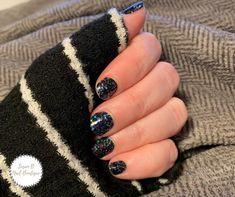 Holiday Nail Colors, Holiday Nails, Dry Nail Polish, Dark Nails, Color Street Nails, Nails Inspiration, Glitter Nails, Pretty Nails, All The Colors