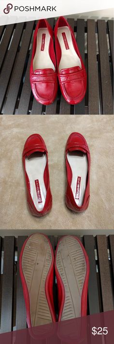 Bandolino red mocassins size 8.5 Beautiful and well kept red mocassins. They show sign of minimal wear (see pics).  Shoes size shows 6.5 but upon consulting their size chart is more of a 8.5 USA. The shoe measures 9.7in.  Leather upper   For accurate size see pic of size converter for Bandolino.  Thanks for stopping by. I offer bundle discount! Bandolino Shoes Moccasins