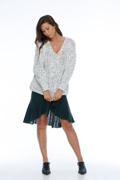 b2045e06dbd7 Rue Stiic Lloyd V-neck loose knit sweater grey | Pipe and Row Loose Knit
