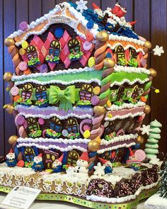 Grove Park Inn Nat'l Gingerbread Competition: been there -  you wouldn't believe the gingerbread houses!