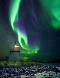 The Light and the Lighthouse ~ Tromso, Iceland. Tromso is´nt in Iceland, but in Norway ! Tromso, Aurora Borealis, Beautiful Sky, Beautiful Places, House Beautiful, Belle Photo, Night Skies, Cosmos, Wonders Of The World