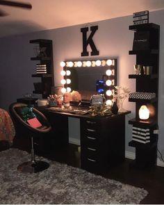 Dream Rooms For Girls Makeup Vanities - Decoration Home Cute Bedroom Ideas, Cute Room Decor, Room Ideas Bedroom, Bedroom Decor, Beauty Room Decor, Makeup Room Decor, Makeup Rooms, Glam Room, Dream Rooms