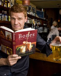 """It takes a pretty confident man to say ,""""Anything that's cold and blonde works for me."""" But David Boreanaz, the actor who co-stars as Special Agent Booth And Bones, Booth And Brennan, Bones Tv Series, Bones Tv Show, David Boreanaz, Writer Quotes, Reading Quotes, Reading Books, Bones Actors"""