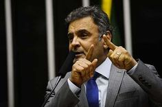 """Dilma é """"refém dos aliados"""", critica Aécio"""