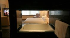 A fantastic hotel for a big splurge in the Big Apple Wall Street News, Nyc Hotels, Hotel Reviews, Bathtub Ideas, Tubs, Bedroom, Pretty, Interiors, York