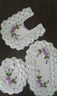 Crochet For Home - Bathroom Thread Crochet, Filet Crochet, Crochet Motif, Crochet Doilies, Crochet Flowers, Crochet Stitches, Knit Crochet, Crochet Patterns, Crochet Home