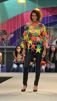 Estudantes santacruzenses desfilam coleção na 17ª FENEARTE