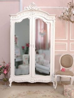 Love this for a baby girl nursery
