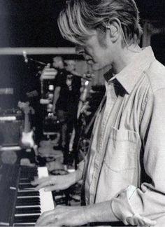 ~ ★ ~ David Bowie ~ ★ ~ #DavidBowie #Art #Pioneer #Icon #Instrumentalist #Love #Visionary ★ ★ ★