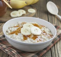 Elvis would be crooning if he woke up to this hearty and delicious Slow Cooker Gluten-Free Peanut Butter Banana Oatmeal! Crock Pot Recipes, Crockpot Dishes, Crock Pot Slow Cooker, Slow Cooker Recipes, Cooking Recipes, Gluten Free Peanut Butter, Peanut Butter Banana, Great Recipes, Favorite Recipes