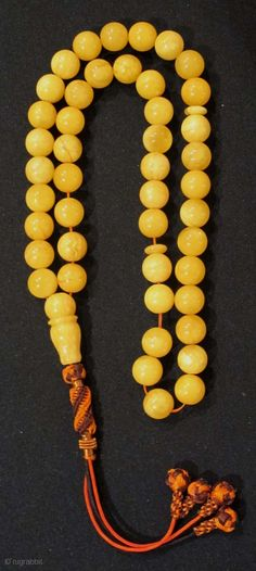 Polish Amber Worry Beads (tesbih / masbah).Best quality. Beads = 1.1 cm. L = 31 cms without tassle. Weight 46 grm.