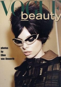 The latest issue of Vogue Italia 2010 covers Dutch model Dioni Tabbers featuring in the beauty editorial. Ellen Von Unwerth lenses the model with nude lips, thick black eyeliner, false eyelashes and thick cat-eye glass frame. Vogue Covers, Vogue Magazine Covers, Fashion Magazine Cover, Fashion Cover, Love Fashion, High Fashion, Fashion Check, Vogue Vintage, Look Vintage