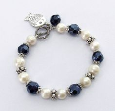 Grade A Pearl and Glass Beads Bracelet