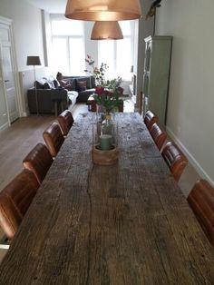 Oude bouwmaterialen, eettafel, wagondelen, interior design, industrial