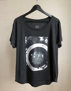 Street Style and Arty Tees with Feel. Visit Siri Skogstad for Nordic Street Wear. Street Wear, Street Style, T Shirts For Women, Unisex, Tees, Casual, Siri, How To Wear, Color