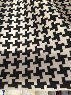 Tkanina Krzyżyki - DANIA projektu BRINGIN czarno biała