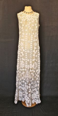 Beguiling Irish crochet dress from the This lovely confection has a variety of motifs and some raised work. It would make a perfect vintage Vestidos Vintage, Vintage Gowns, Mode Vintage, Vintage Lace, Vintage Outfits, Vintage Fashion, Dress Vintage, 70s Fashion, High Fashion