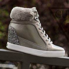 #buty #shoes #sneakers #sneakerholics #sneakershouts #guess #casual #lifestyle #koturn #highheels #highshoes #woman #womanwear #fashion #style #furr #natural #leather #leathershoes
