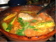 SOPA DE FIDEO CON POLLO Y VERDURAS (2) Mexican Dishes, Mexican Food Recipes, Soup Recipes, Great Recipes, Chicken Recipes, Cooking Recipes, Favorite Recipes, Chicken Soup, Cooking Time