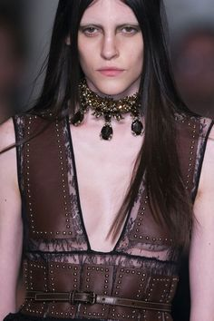 Givenchy Clp Bis Spring 2015 - Details