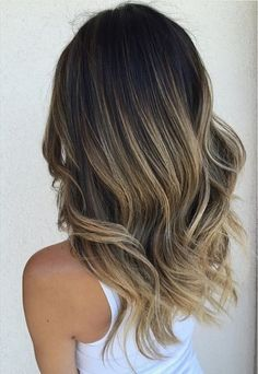 Trendy Hair Color & Balayage : sombre aka sort of ombre brunette highlights… Love Hair, Great Hair, Hairstyles Haircuts, Pretty Hairstyles, Dog Haircuts, Bandana Hairstyles, Brunette Ombre, Brunette Highlights, Ash Blonde