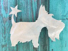 Have your four-legged friend top your tree this year! These handmade aluminum Scottish Terrier doggie Christmas tree toppers are adorable and can be used all year round to clip on anything else you like. Heavy duty clips attached to back, so they are ready to go!  Perfect gift for the Scottie dog lover who has everything! Size: 10.25 wide x 8.50 high   We have many breeds available (see list). If your breed is not yet listed on Etsy, please message us and we will gladly send you a custom…