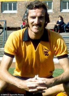 Derek Dougan Wolves