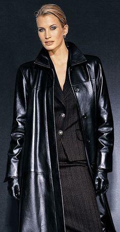 3c5ea4bbeb Leather Coat Daydreams: Who's the boss? I wonder...   bőrruhák ekkor ...