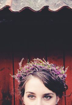 9 Unique Flower Crown Styles Add more floral to your wedding day with a flower crown! I love this idea for a vintage touch. Wedding hair decor – too fun! Lavender Flowers, Flowers In Hair, Purple Flowers, Wax Flowers, Tiny Flowers, Flower Crown Wedding, Wedding Flowers, Flower Crowns, Flower Crown Headband