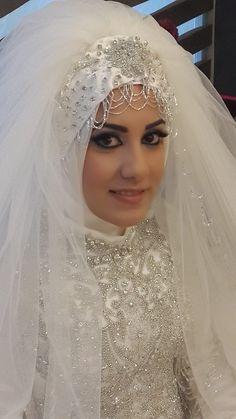 Turkish Brides ☪ Bridal Hijab, Muslim Wedding Dresses, Elegant Wedding Gowns, Hijab Bride, Muslim Brides, Muslim Girls, Muslim Couples, Arab Wedding, Wedding Wear