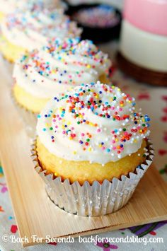 Light and Fluffy Lemon Cupcakes with Lemon Frosting made from scratch! #cupcakes #lemon | http://colorful-roses-236.blogspot.com