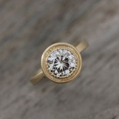 This ring is so pretty, the brushed gold.