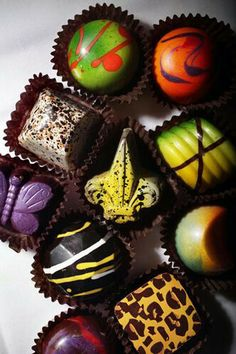 William Dean Chocolates' artisan truffles adored by fans from Norman Love to Whoopi Goldberg Death By Chocolate, I Love Chocolate, Chocolate Art, Chocolate Shop, Chocolate Treats, How To Make Chocolate, Chocolate Lovers, Chocolate Recipes, Cake Pops