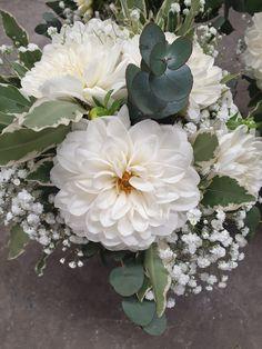 That dahlia! Dahlia, Wedding Bouquets, Favorite Color, Jade, Succulents, Floral Wreath, Neutral, Wreaths, Green